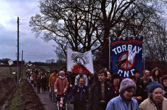 Easter 1983 CND demo Aldermastern (Wikimedia Commons)