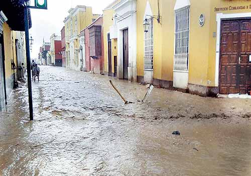 #UnaSolaFuerza : how ICTs became central to Peru's aid efforts following the El Niño-floods in 2017