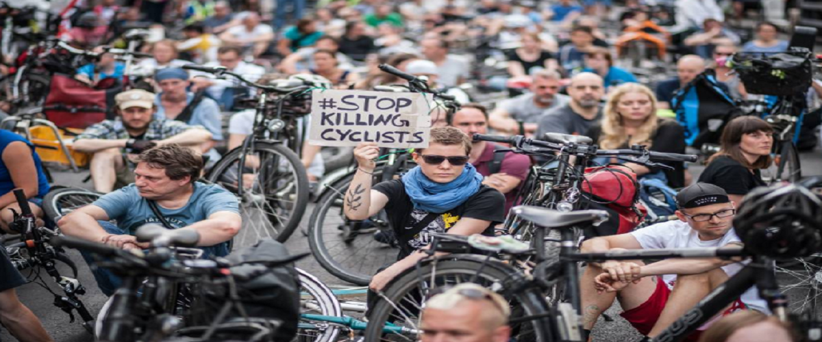 Digital activism in the urban cycling movement